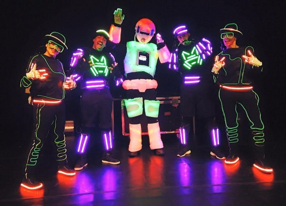 Espectáculo de baile con trajes luminosos 5 bailarines