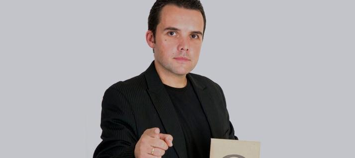 contratar David Baró