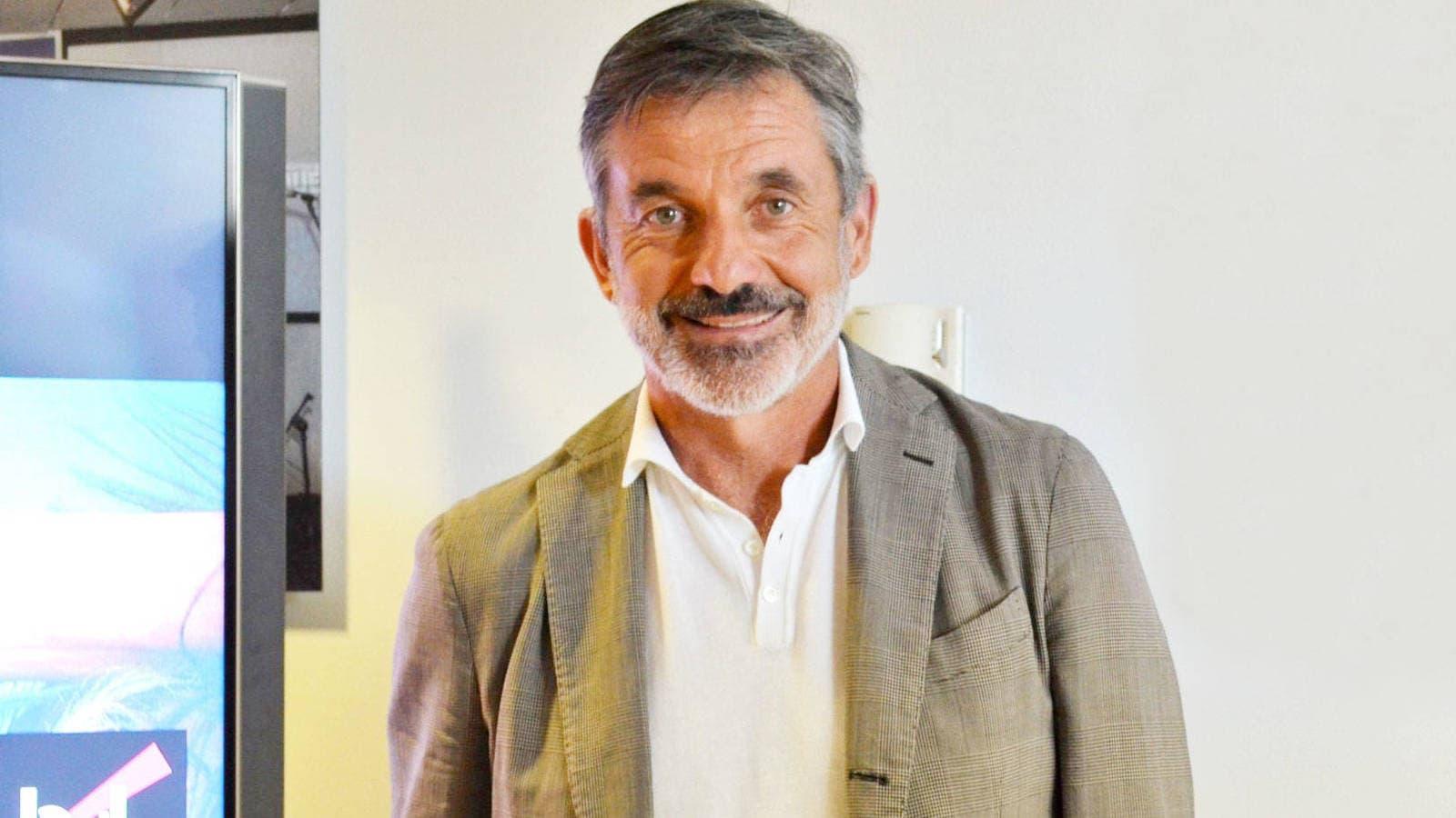 contratar Emilio Sánchez Vicario