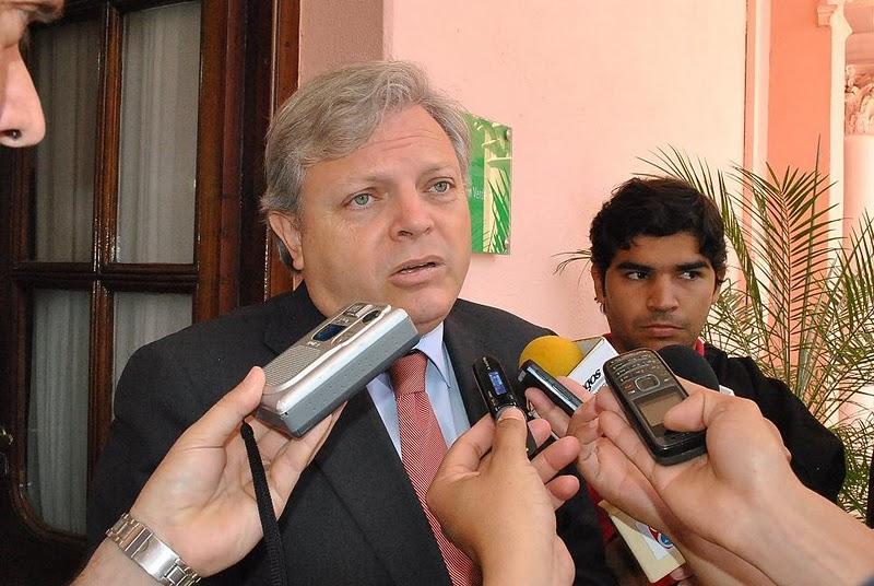 Contratar Francisco Lozano
