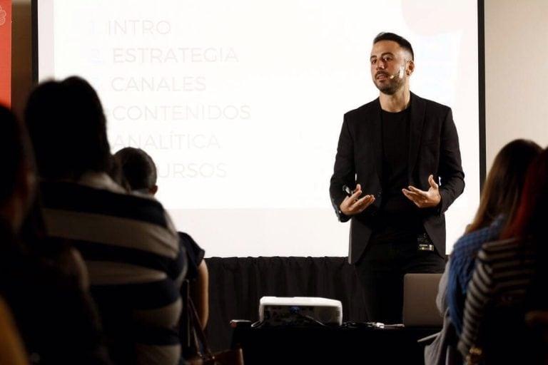 conferencia estrategias y negocios digitales