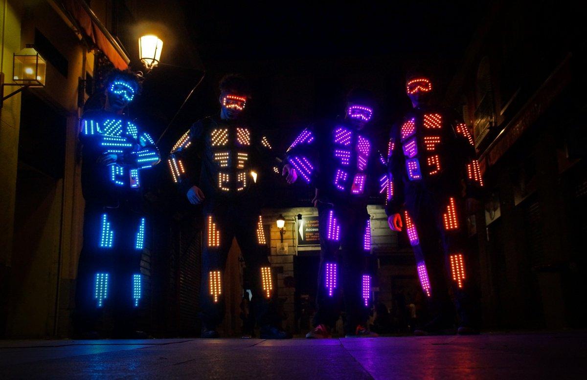 espectaculos de baile con trajes luminosos