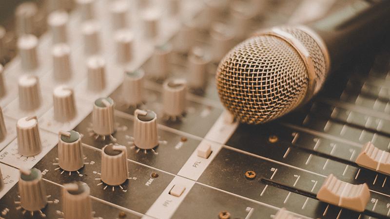 contratar cantantes y musicos para eventos